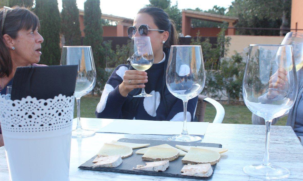 Wein und Käse Verköstung auf Mallorca